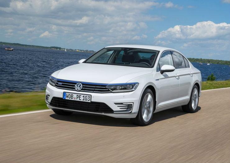 Volkswagen-Passat_GTE-2015-800-0c (1)