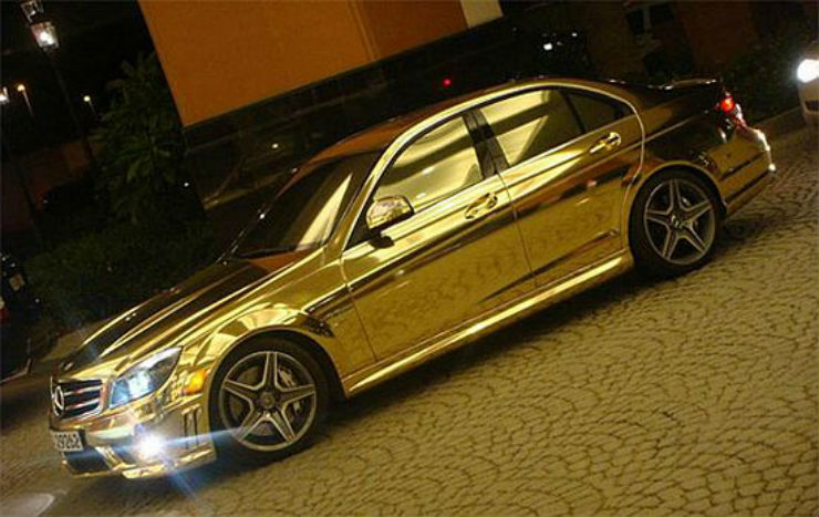 gold-mercedes-benz-c63-amg-3_aWViK_52