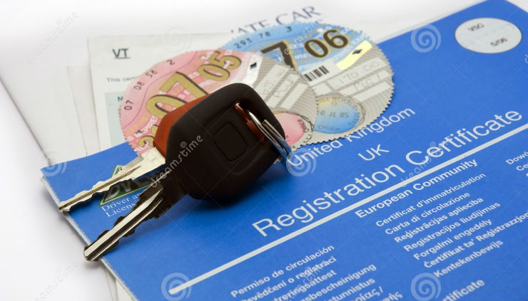 uk-keys-car-documents-1677190