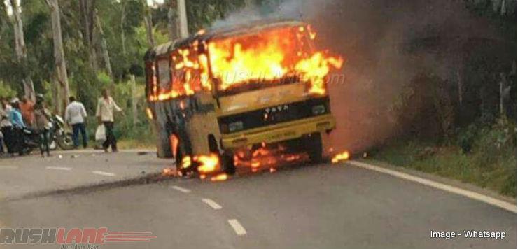 KTM-Duke-390-bus-accident-6