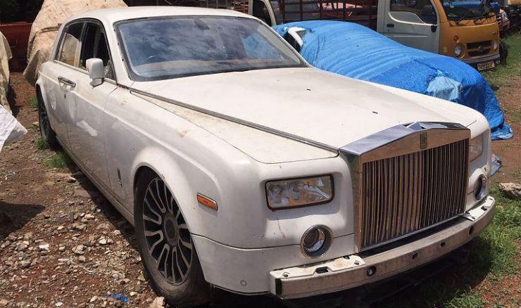 Exotic Luxury Sportscars Left To Die In India