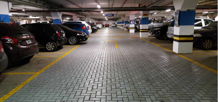 Subterranean_parking_lot