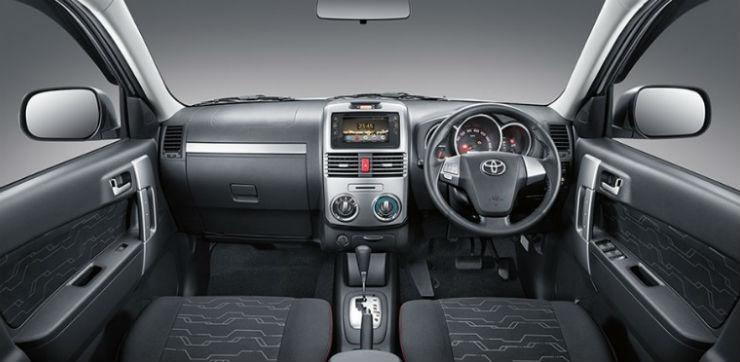 Toyota-rush-interior-e1451301044402