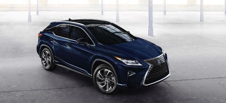 Lexus makes Indian debut