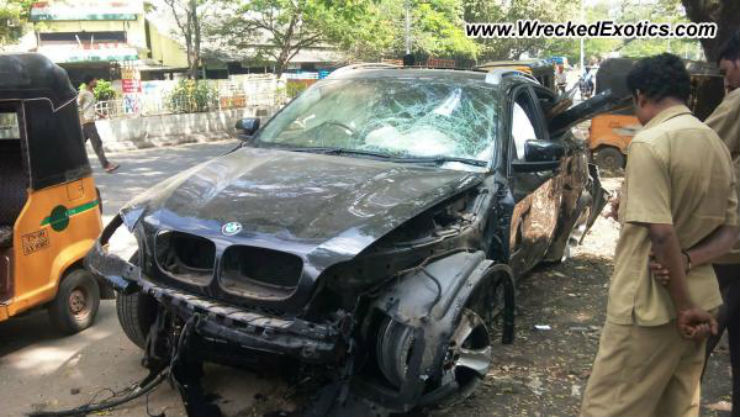 20 Mind Numbing Exotic Car Crashes Of India Bentleys To Jaguars