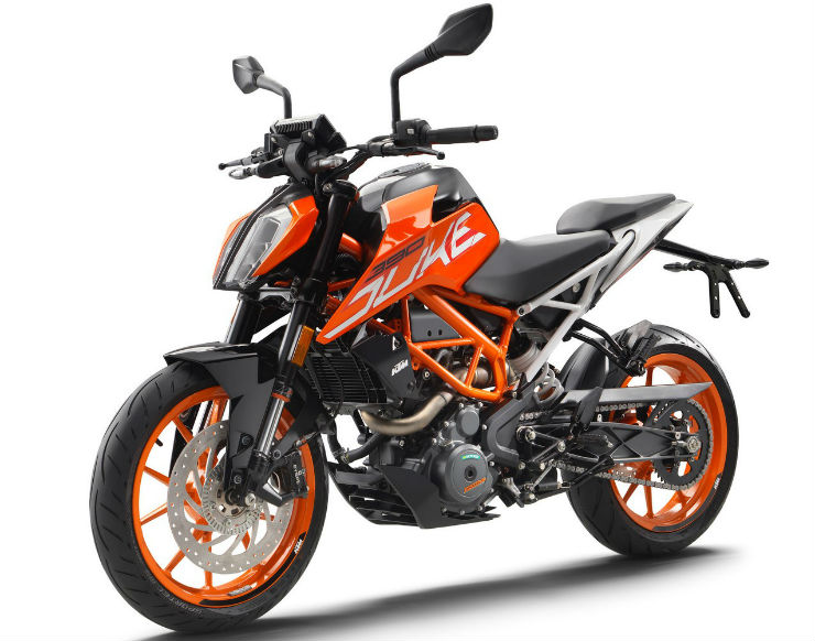 2017-KTM-Duke-390-front-three-quarters-standstill