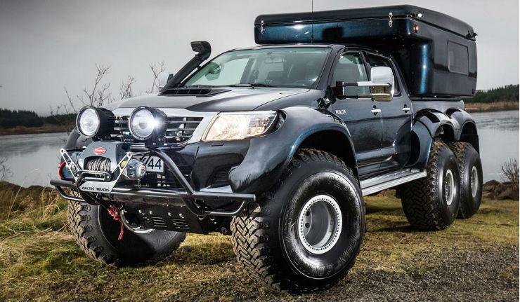Hilux-AT44-6X6-Arctic-Truck-LumberJac