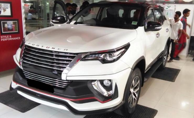 New Toyota Fortuner with Nippon body kit 3