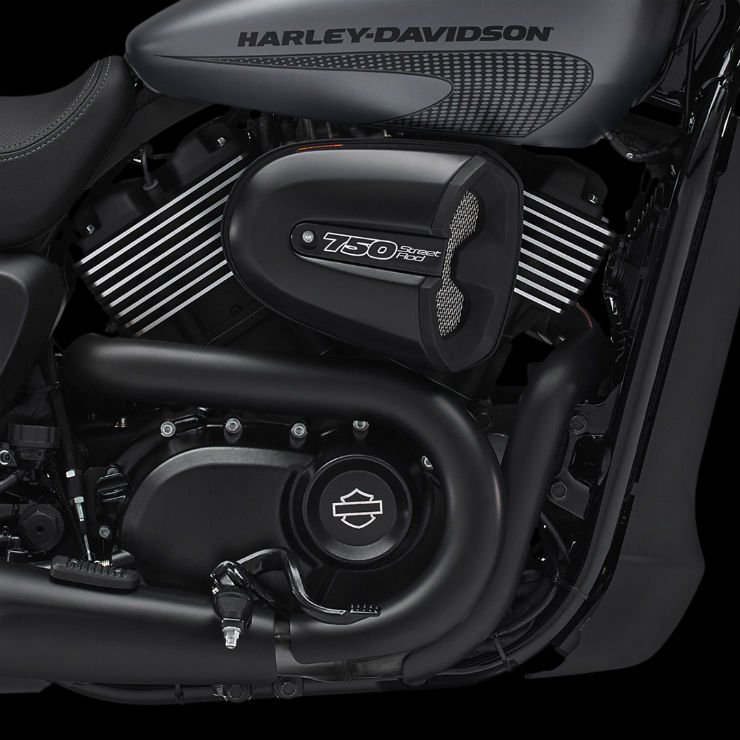 Harley-Davidson-Street-Rod-750-1