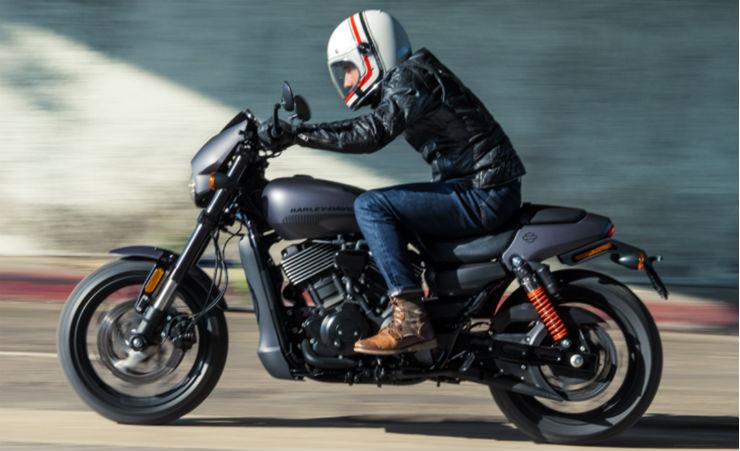 Harley-Davidson-Street-Rod-750-2