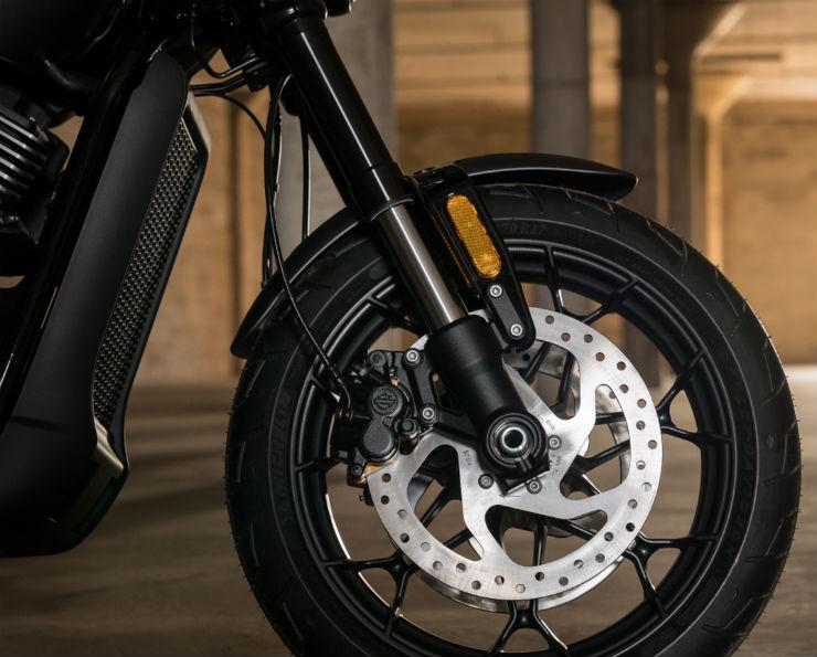 Harley-Davidson-Street-Rod-750-3
