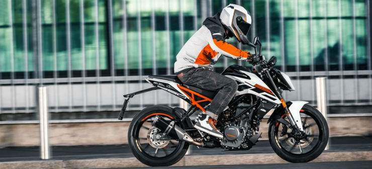 Yamaha FZ250 faster than a KTM Duke 250, but is it really? We explain!
