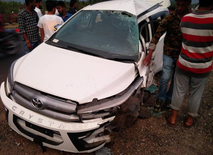 Toyota Innova Crysta Crash 3