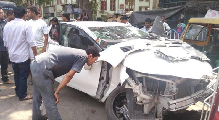 Vikram Chatterjee Sonika Chauhan Toyota Corolla Altis Accident 5
