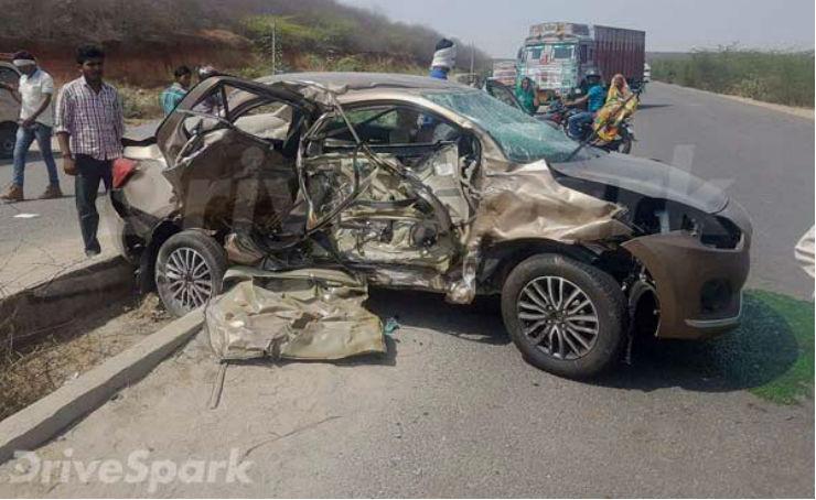 All-new 2017 Maruti DZire & Tata Safari Storme collide in a massive accident