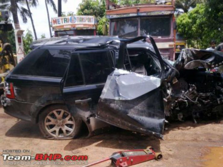 Range rover accident mangalore1