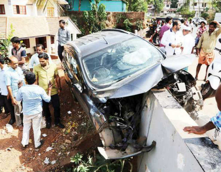 Ecosport caught 25 times for overspeeding nearly falls into river; Airbags save passengers