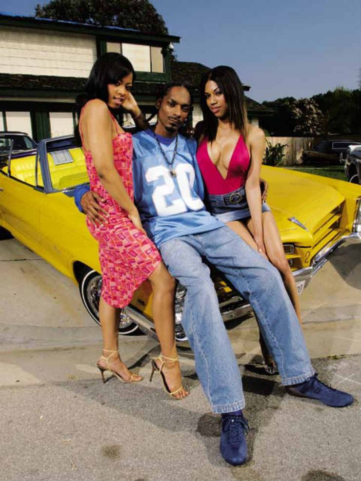 into snoop dogg 39 s classy garage of cars. Black Bedroom Furniture Sets. Home Design Ideas