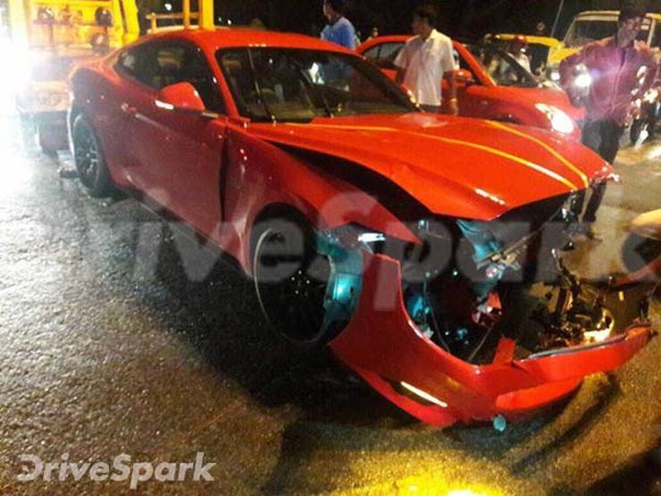 Ford Mustang Crash Bangalore 1