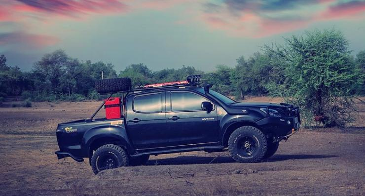 Isuzu V-Cross Modified 2