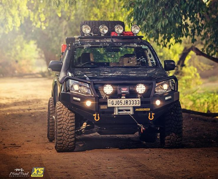 Isuzu V-Cross Modified 6