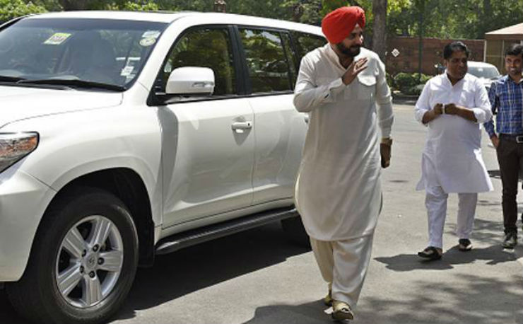 Who Owns Range Rover >> 10 famous Lexus and Land Cruiser owners of India