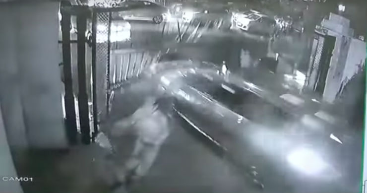 [Video] BMW robbery fails after accused gets stuck in Delhi traffic