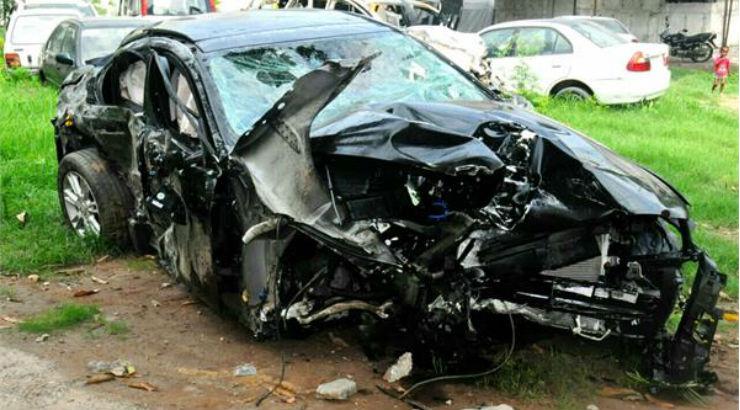 Brand new speeding Jaguar rams into Innova, causes huge fire