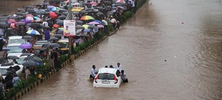 Honda Jazz in Mumbai 2017 Flood