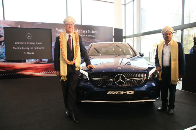 Mercedes Opens New Dealership