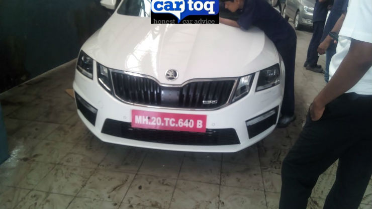 Skoda Octavia RS spied inside out ahead of launch
