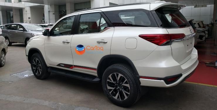 2017 Toyota Fortuner TRD SUV 3