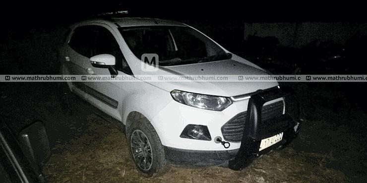 Ford EcoSport seized for blocking ambulance