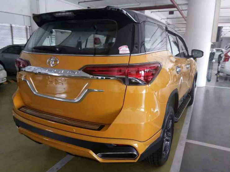 Fortuner_Yellow_1
