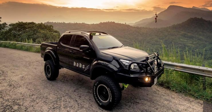 Isuzu D-Max V-Cross with 6 inch lift 2