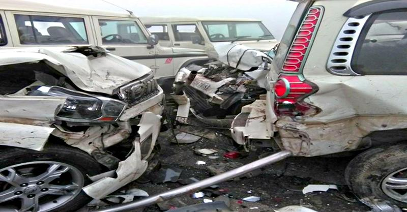 [Video] Blinding fog causes massive 12 car & SUV pile-up on Lucknow-Agra expressway