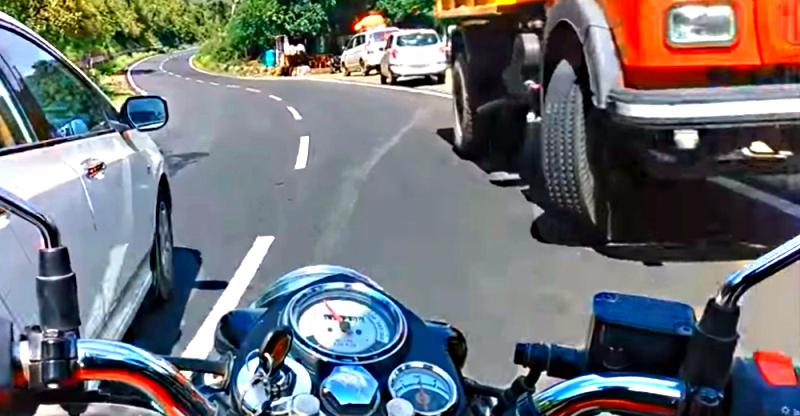 [Video] Overtake gone wrong – Royal Enfield Classic 350 & Honda City; Who's fault?