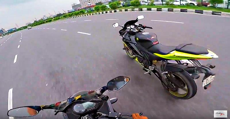 Video] Yamaha R15 & Hyundai i20 weave in and out of traffic