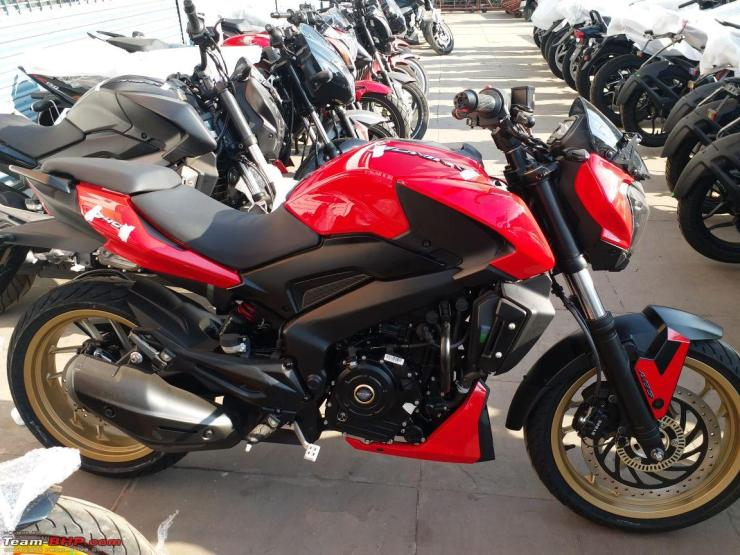 2018 Bajaj Dominar 400 sports motorcycle in Red SPIED at ...