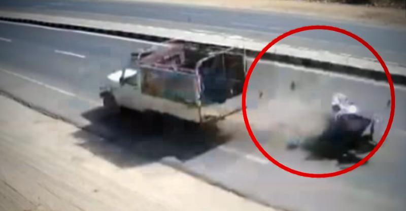 [Video] MASSIVE Mahindra Bolero-motorcycle crash shows dangers of Indian highways