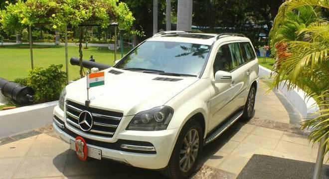 Kiran Bedi Mercedes GLS