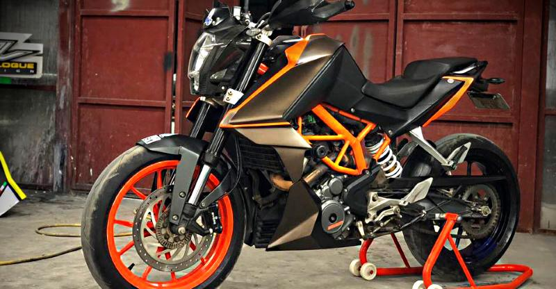 KTM Duke 200 Street X2 motorcycle body kit from Autologue Design is affordable STYLE!