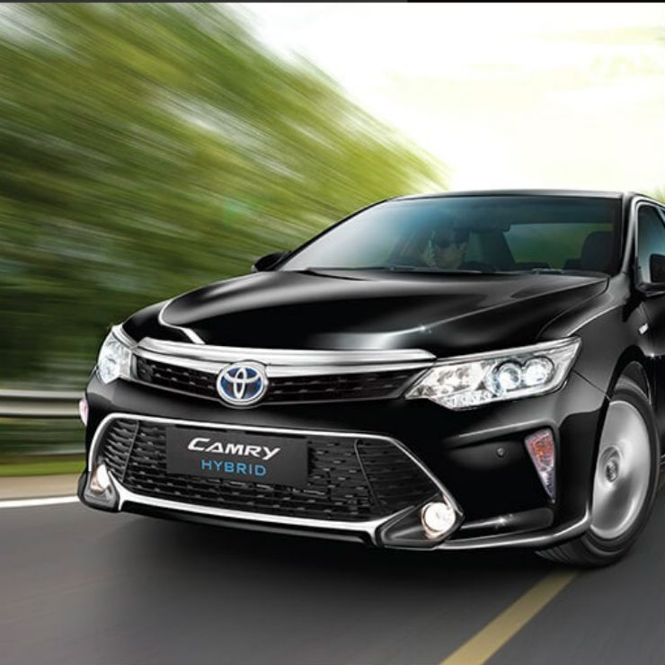 2018 Toyota Camry launched in India with new features