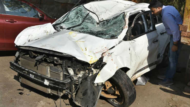 'Drunk' Amity girl student driver loses control of car at high speed; two male students killed