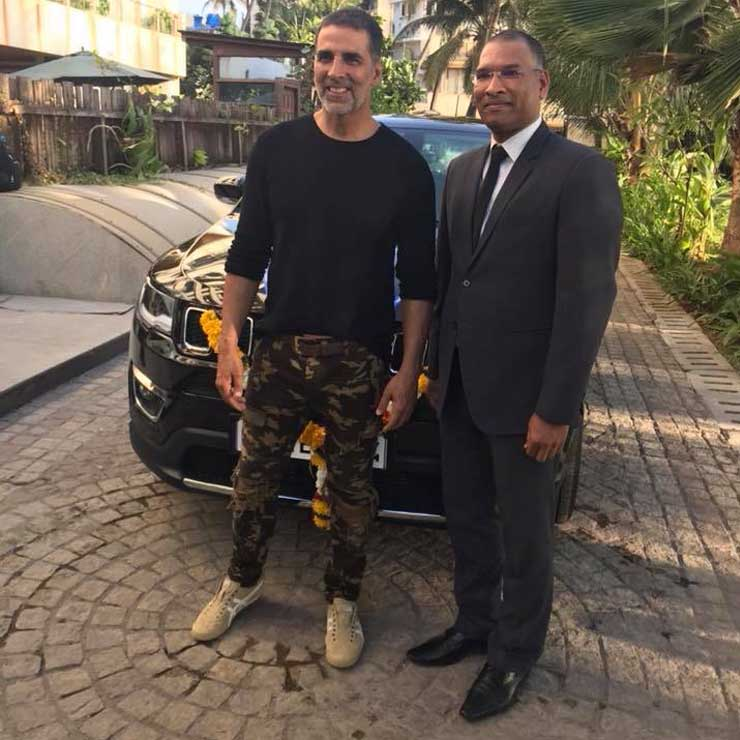 jeep compass akshay kumar images