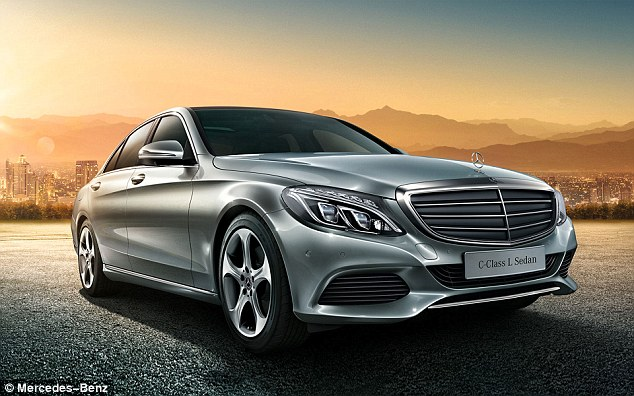 1 hour-long horror ride for Mercedes owner as cruise control gets stuck at 120 kmph