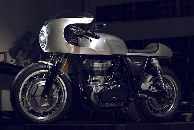 modified royal enfield continental gt images front angle