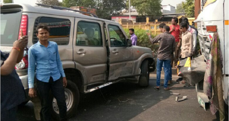 Surat: Togadia alleges murder conspiracy after vehicle hit by truck