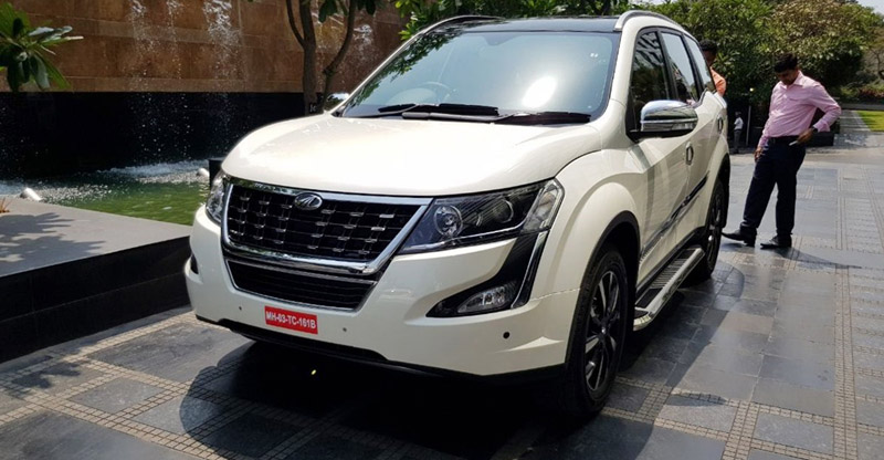 2018 Mahindra XUV500 accessories front image