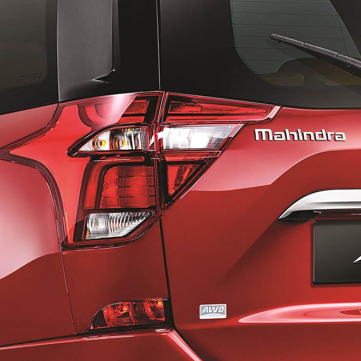 2018 mahindra xuv500 facelift photo taillamp